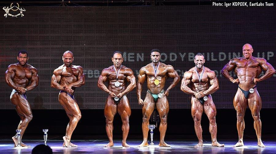 90 kg – 3  2017 IFBB World Bodybuilding Championships up to 90 kg category  finalists (from L to R)  Joan CANNEGIETER (6th place)  Ralph DECELIS (4th  place)  ... 17a282d597