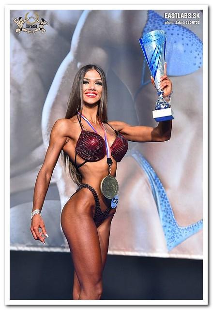 37acb5fc61725 2018 European Junior Women's Bikini-Fitness overall winner: Neda SILKINYTE  (Lithuania), congratulated by IFBB President Dr. Rafael SANTONJA and Dr.  Alfonso ...