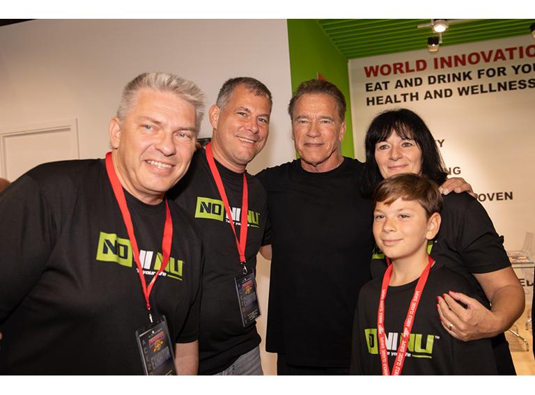 Foto mit Arnold am Stand